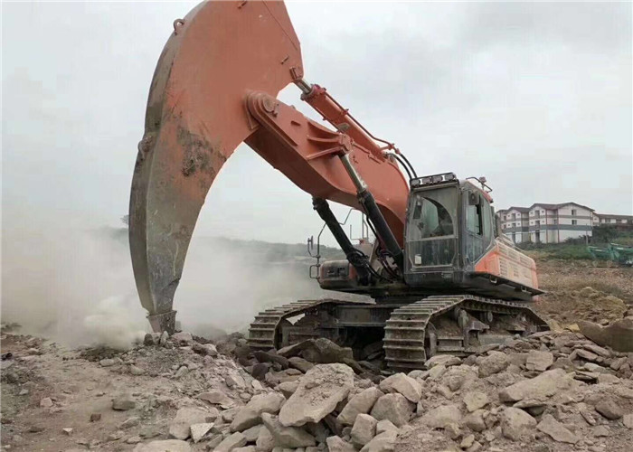 Powerful Breaking Force Digger Arm To Break Hard Rock / Soil Excavator Spare Parts